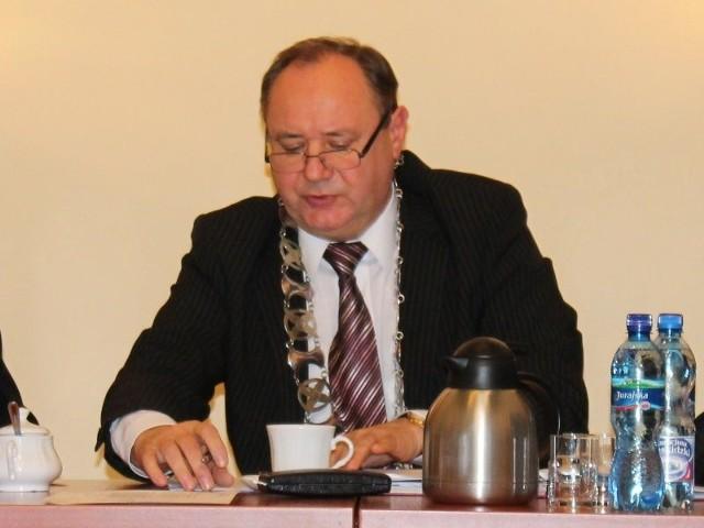 Zdaniem służb Ryszarda Wilczyńskiego przewodniczący Pietrusiak (na zdj.) naruszył przepisy zakazujące łączenia mandatu radnego z funkcją ławnika sądowego.