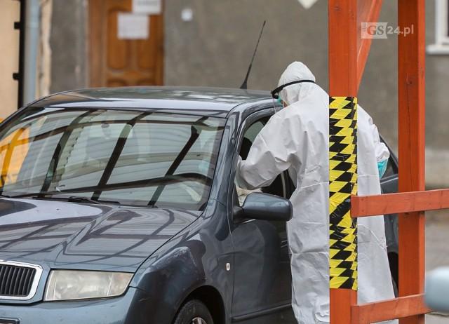 Testy na koronawirusa w szpitalu na Pomorzanach w Szczecinie