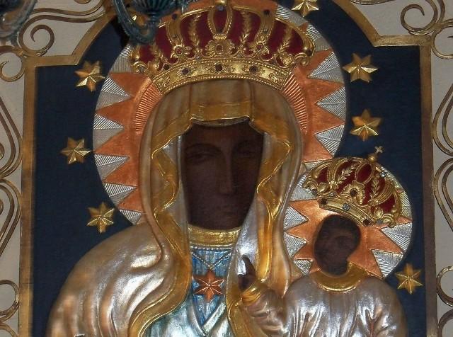 Kopia obrazu Matki Boskiej Częstochowskiej z Biedrzychowic może należeć do najstarszych w kraju. Ma ponad 200 lat.