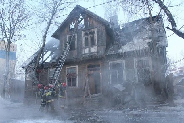 pożar wybuchł w niezamieszkałym domu. To był klasyczny drewniany dom - pamiątka dzielnicy Bojary
