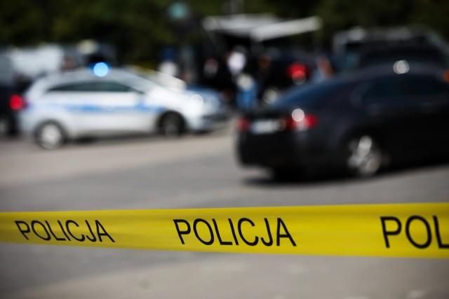 Policjanci zatrzymali 63-latka podejrzanego o znęcanie się nad swoją 96-letnią matką.