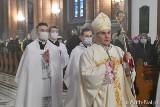 Wielki Piątek w Kościele katolickim. Ścisły post obowiązuje wiernych od 18 do 60 roku życia. Weź udział w mszy online (2.04.2021)