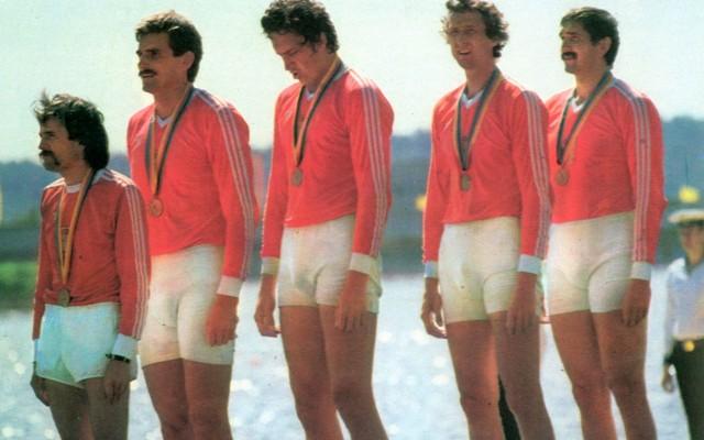 Na olimpijskim podium w Moskwie, od lewej: Ryszard Kubiak, Ryszard Stadniuk, Grzegorz Nowak, Adam Tomasiak i Grzegorz Stellak