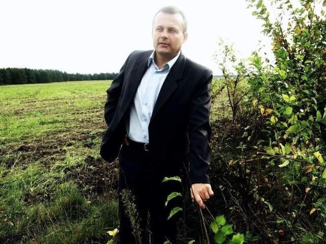 - Liczę, że to pole pokryje się w niedalekiej przyszłości tysiącami solarów - mówi burmistrz Tomasz Ciszewicz.