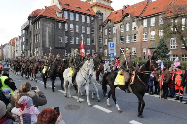 Obchody Święta Niepodległości w 2019 roku w Katowicach.Zobacz kolejne zdjęcia. Przesuwaj zdjęcia w prawo - naciśnij strzałkę lub przycisk NASTĘPNE