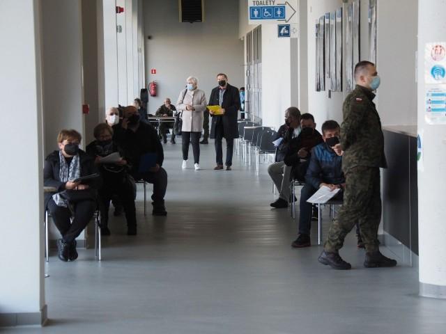 Punkt masowych szczepień w hali widowiskowo-sportowej w Koszalinie już działa
