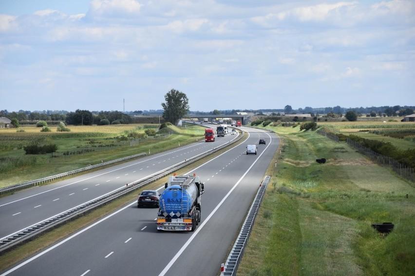 Na autostradzie A2 na węźle Rzepin trwa kolejny etap...