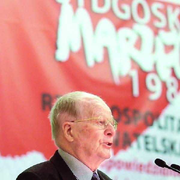 - Zaufanie do władzy to sprawa kluczowa. Pewność, że wójt działa dla mojego dobra, a nie dla swojej partii - prof. Jerzy Regulski podczas konferencji 17 marca w Bydgoszczy.