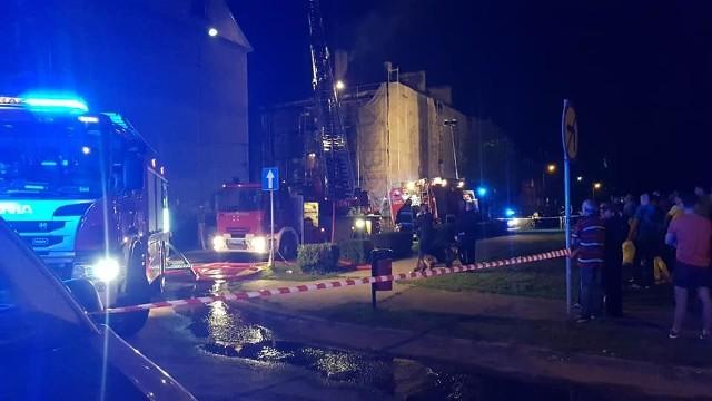 W akcji gaśniczej uczestniczyły jednostki straży pożarnej z Piekar Śląskich i Bytomia
