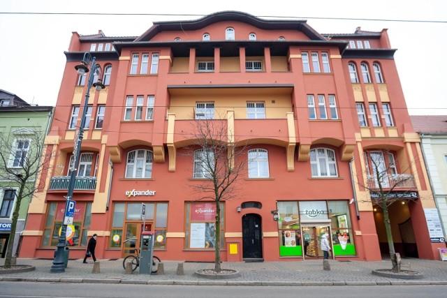 Gdańska 42. W 2019 roku udało się wyremontować ponad 20 zabytkowych budynków. Najwięcej remontów prowadzonych było dzięki miejskim dotacjom konserwatorskim oraz środkom unijnym pozyskanym przez miasto.