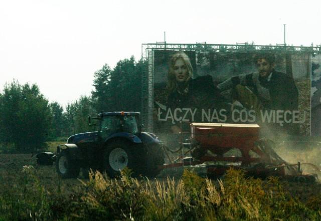 18.09.2012 rzeszotary praca w polu pole rolnik traktor ..gazeta wroclawska piotr krzyzanowski/polskapresse..