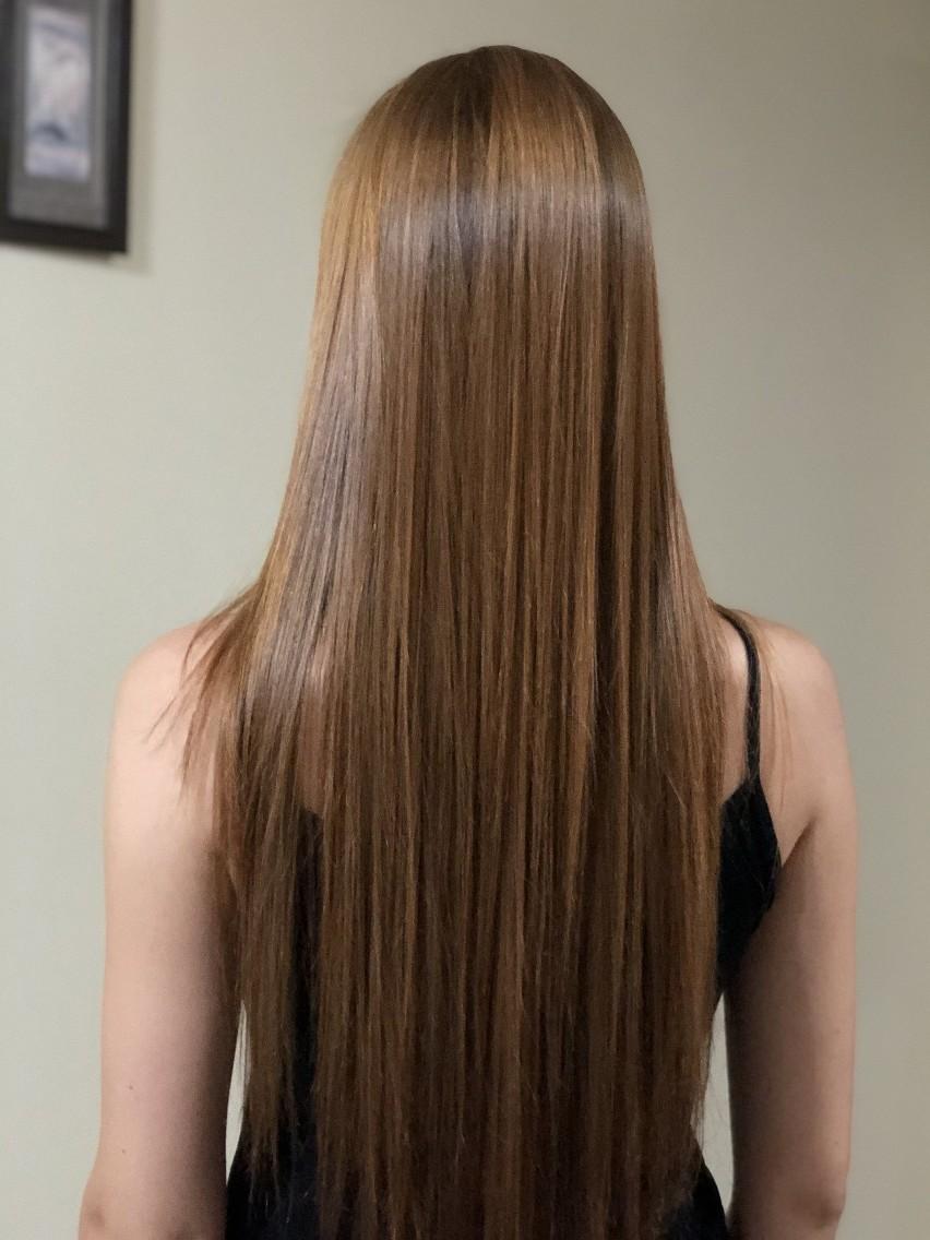 Modne fryzury na lato 2021. Glass hair to tegoroczny hit...