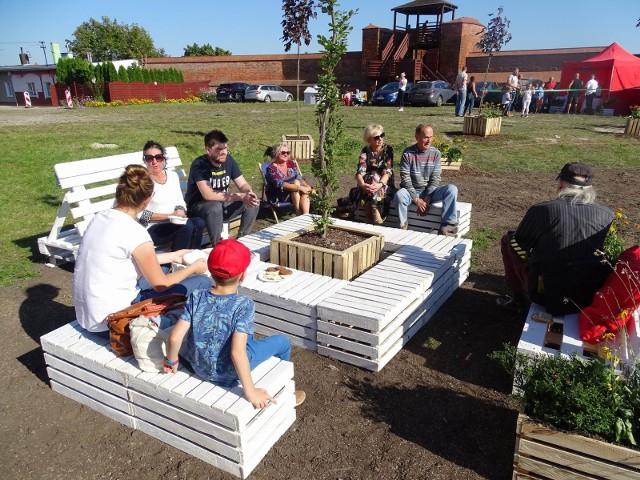 Na otwarciu pierwszego ogrodu społecznego w Chełmnie pojawili się mieszkańcy, goście, był też akcent muzyczny