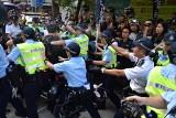 Święto Chin 2019. Defilada wojskowa i strzały do demonstrantów w Hongkongu [ZDJĘCIA] [WIDEO]