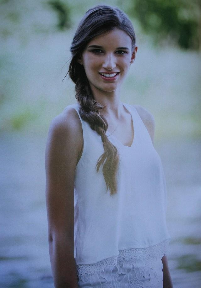 Uczestniczki finału Miss Polski Nastolatek w Kozienicach miały   profesjonalną sesję. Za zdjęciu Julia Dembińska z Plewna