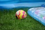 Tragedia w Jastkowicach k. Stalowej Woli. 2,5-letnie dziecko utonęło w dmuchanym basenie