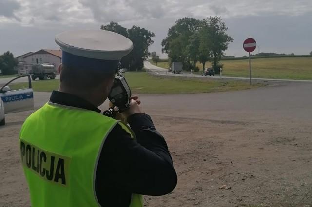 Policjanci zachęcają: zwolnijcie, a na święta dojedziecie bezpiecznie!