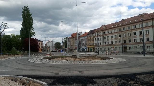 """Rondo już zostało zbudowane. Teraz trzeba do niego """" podłączyć przyległe ulice."""