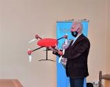 """Tarnobrzeg. Podniebne lekcje w """"Prymasówce"""". Uczniowie będą uczyć się pilotażu drona!"""