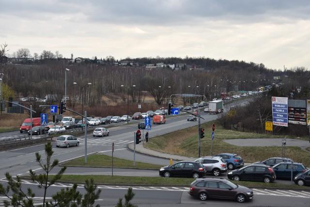 DK 94 w Sosnowcu to trasa, na której w godzinach szczytu tworzą się ogromne korki
