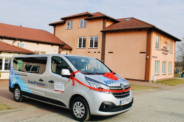 Bus marki Renault zakupiono ze środków PFRON.
