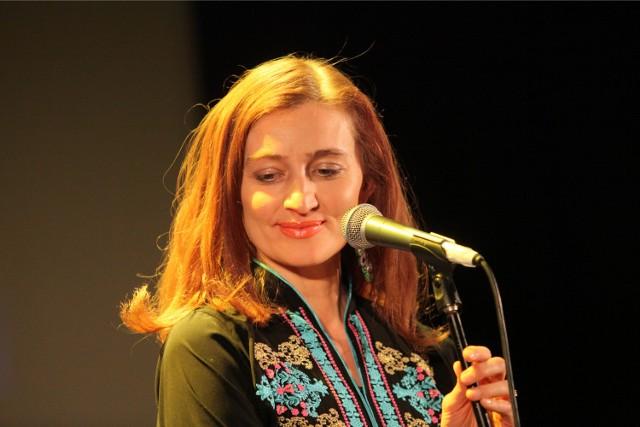 Agnieszka Greinert to aktorka, wokalistka i pedagog (wykłada w łódzkiej Szkole Filmowej).