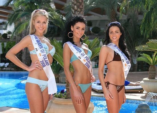 Pierwsza z lewej - Karolina Górecka