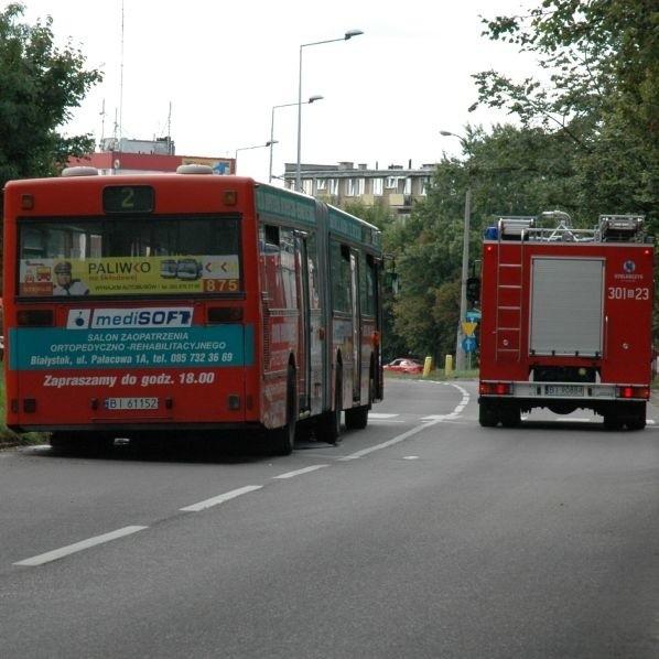 Autobus linii 2 zapalil sie dziś jadąc ulicą Zwyciestwa w Bialymstoku. Pozar udalo sie sprawnie ugasic dzieki szybkiej reakcji kierowcy