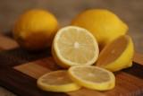 Kiedy warto włączyć cytryny do diety? Zobacz co dzieje się z organizmem gdy spożywamy cytryny