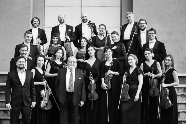 Sinfonietta Cracovia to orkiestra, która była szczególnie bliska Krzysztofowi Pendereckiemu. Teraz muzycy składają specjalną płytą hołd swemu mistrzowi
