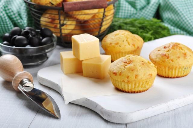 Muffinki z serem - aromatyczne i pyszne [PRZEPIS]