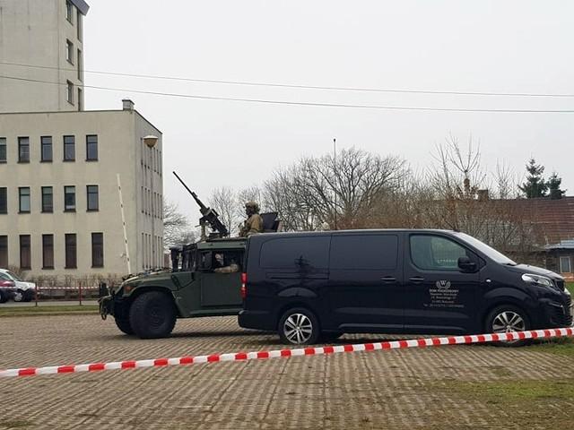 Ćwiczenia wojskowe przy ulicy Młynowej 21 w Białymstoku