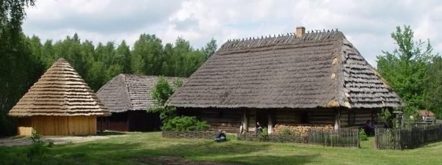 Skansen w Kolbuszowej to miejsce, w które warto wybrać się z całą rodziną.