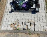 Usuwanie ławeczek na cmentarzu przy Wiślanej trwa. Bydgoszczanie nie kryją oburzenia