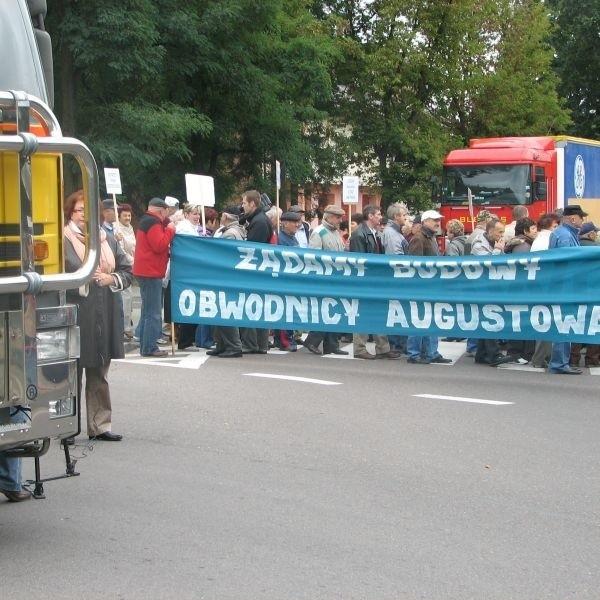 Augustowianie na znak protestu postanowili zablokować ósemkę na 6 godzin