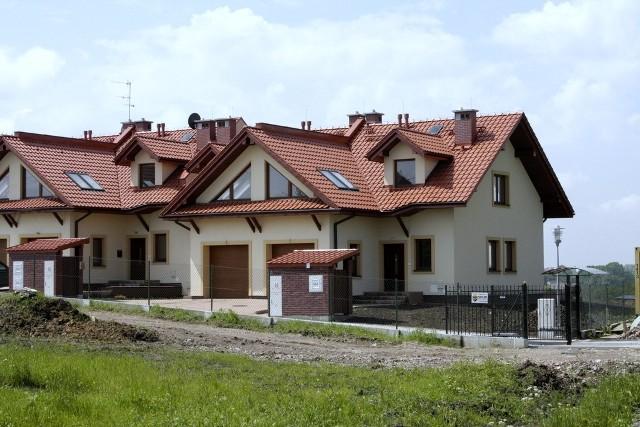 budowa domuBudowa domu: warto korzystać z wiedzy i doświadczenia fachowców