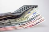 Forbes: Najbogatsi ludzie na świecie. Są wśród nich także Polacy. Mają miliardy dolarów. Kim są?