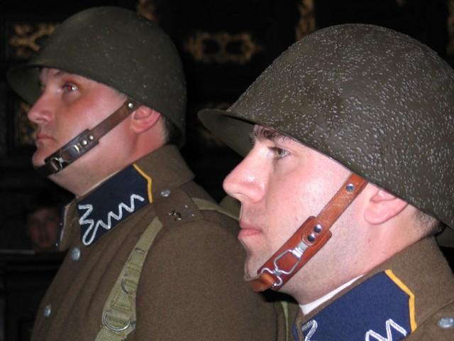 W katedrze we Lwowie żołnierze w mundurach Wojska Polskiego nie byli widziani przez ostatnie kilkadziesiąt lat.