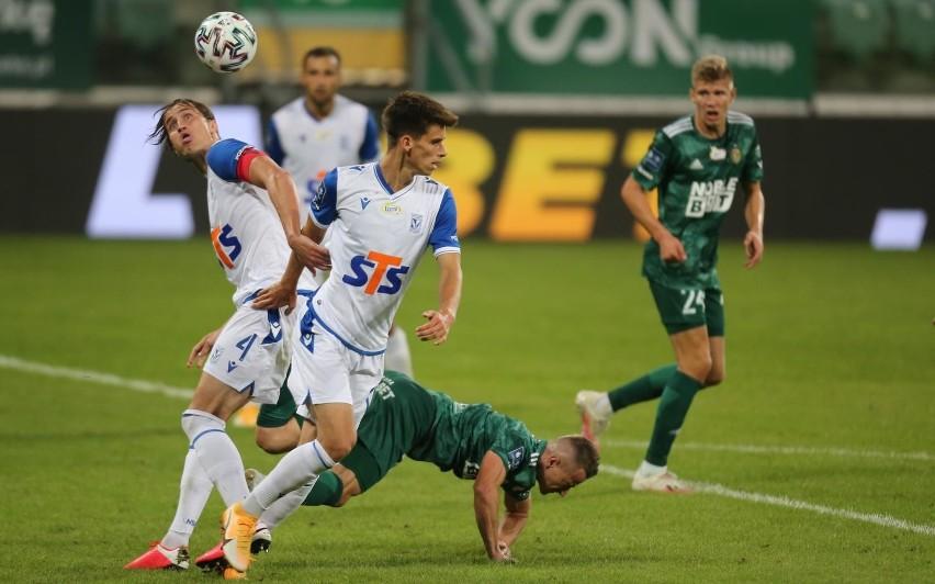 Lech grał we Wrocławiu ze Śląskiem. Kilku piłkarzy tego klubu jest zarażonych koronawirusem.