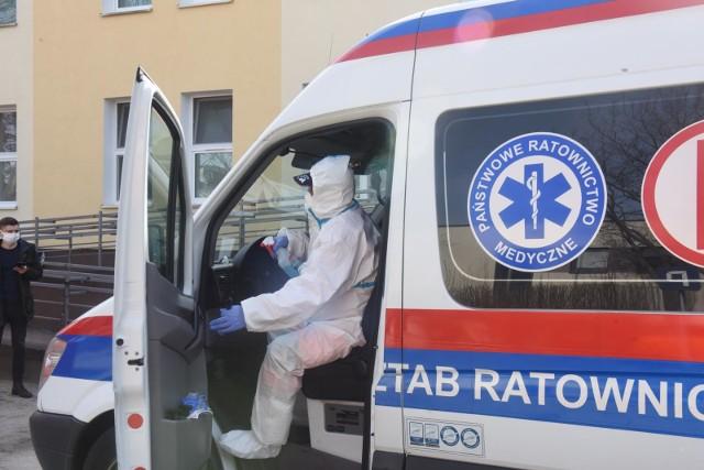 Jak informuje Szpital Uniwersytecki w Zielonej Górze na swoim Facebooku, Kliniczny Oddział Chorób Zakaźnych w 100 proc. zapełniony pacjentami z zakażonymi SAR- COV-2.