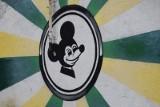 Piękne graffiti i niedbałe bazgroły. Falubaz jest wszędzie