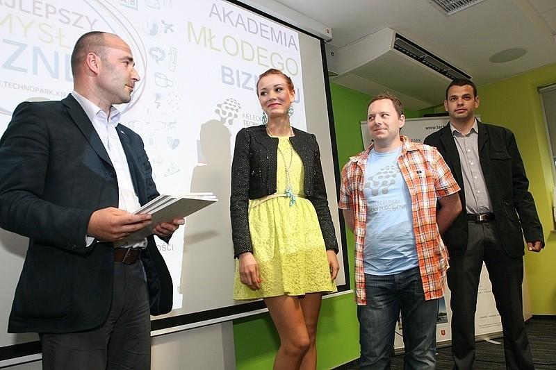 Nagrodzono studentów, którzy mieli najlepszy pomysł na prowadzenie biznesu.