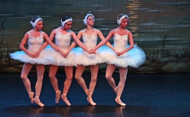 """""""Jezioro łabędzie"""" w teatrze oglądaliśmy ostatnio w 2015 roku. Następna okazja - już w ten piątek"""