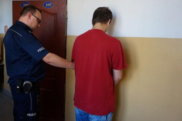 15-latek napadł na sklep w Kiełkowicach. Strzelił w kierunku ekspedientki.