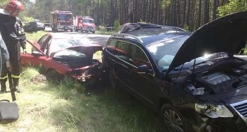 Pobojowisku na miejscu wypadku – prosta droga, nic nie wskazywało, że może tu dojść do tak groźnego zdarzenia.