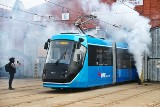 """Huczne powitanie zmodernizowanego tramwaju. Oto jak wyglądają """"nowe"""" skody"""