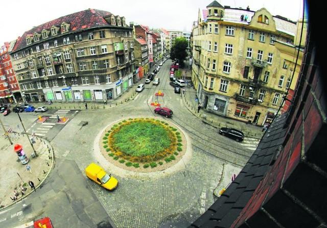 Zbieg ulic Jedności Narodowej, Kilińskiego i Niemcewicza. To miejsce nosi imię Anny German