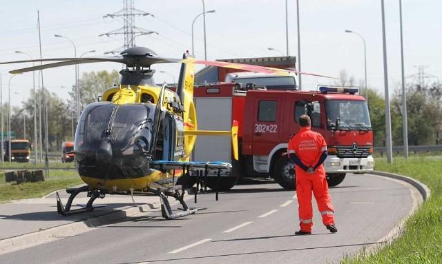 Śmiertelny wypadek na trasie Wrocław - Jelenia Góra. Nie żyje mężczyzna, który jechał z dwójką dzieci i ich babcią