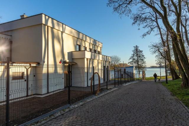 Zakończyła się modernizacja pałacyku nad Gopłem u stóp Mysiej Wieży w Kruszwicy. Swoją siedzibę mieć tam będzie administracja Nadgoplańskiego Parku Tysiąclecia