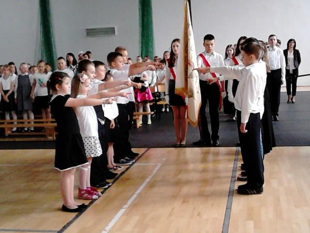 Uczniowie SP w Łysych obchodzili święto patrona, Henryka Sienkiewicza